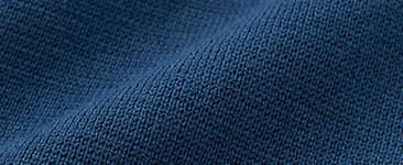 깨끗한 표면 느낌이 매력인 밀라노립. 제대로 된 짜임으로 따뜻하고 부드러운 감촉. 캐주얼하게 코디하기 좋은 니트입니다.
