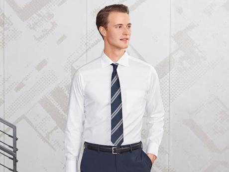 슈퍼넌아이론셔츠(긴팔) 착용 모델 이미지